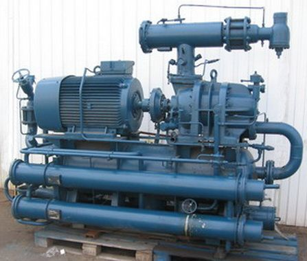 Screw-compressor-unit-with-oil-separator-and-watercooled-oil-cooler